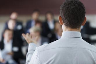 Facilement parler en public avec l'hypnose